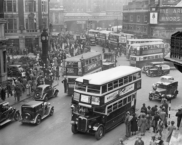 Bus「Crowded Street」:写真・画像(2)[壁紙.com]