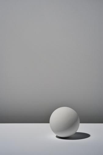 Sphere「White ball on white background」:スマホ壁紙(1)