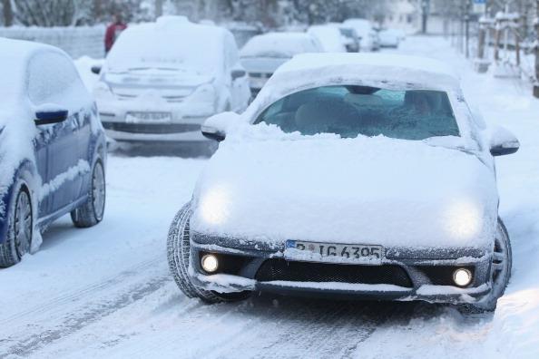 雪「Winter Hits Germany」:写真・画像(5)[壁紙.com]