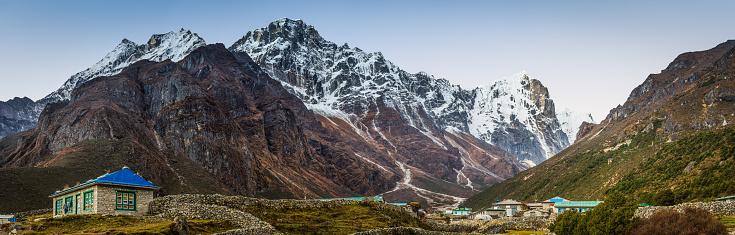 Khumbu「Sherpa village Thame Kongde Ri Himalaya mountain peak panorama Nepal」:スマホ壁紙(10)