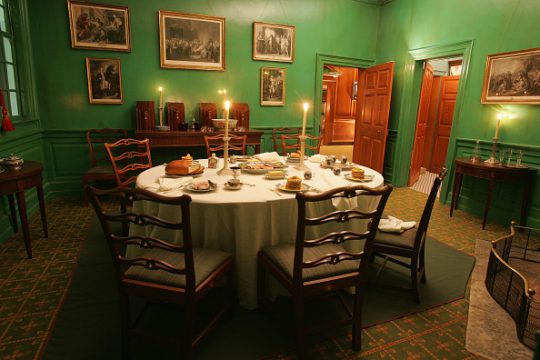 Dining「Mount Vernon Prepares For Christmas」:写真・画像(5)[壁紙.com]