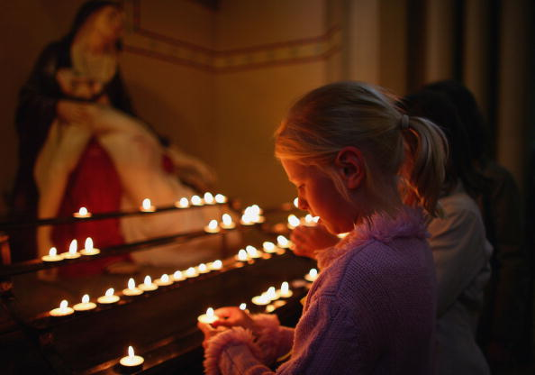 Candlelight「Glasgow Cathedral Service For Girl Missing In Portugal」:写真・画像(19)[壁紙.com]