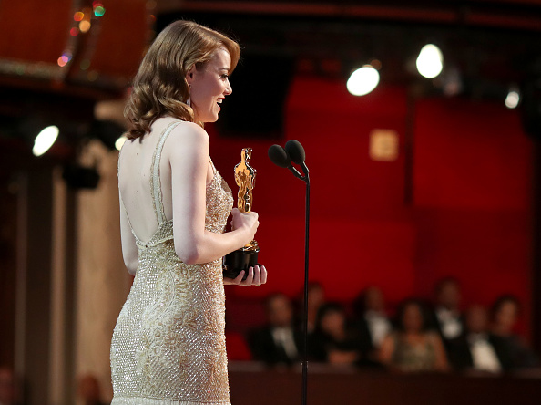 Receiving「89th Annual Academy Awards - Backstage」:写真・画像(5)[壁紙.com]
