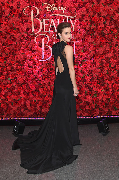 "Black Color「Emma Watson, Dan Stevens, Kevin Kline, Josh Gad, Audra McDonald, Stanley Tucci, Ian McKellen, Bill Condon And Alan Menken  Arrive At Alice Tully Hall For The New York Special Screening Of Disney's Live-Action Adaptation ""Beauty And The Beast""」:写真・画像(3)[壁紙.com]"