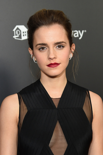 エマ・ワトソン「Emma Watson, Dan Stevens, Kevin Kline, Josh Gad, Audra McDonald, Stanley Tucci, Ian McKellen, Bill Condon And Alan Menken  Arrive At Alice Tully Hall For The New York Special Screening Of Disney's Live-Action Adaptation 'Beauty And The Beast'」:写真・画像(3)[壁紙.com]