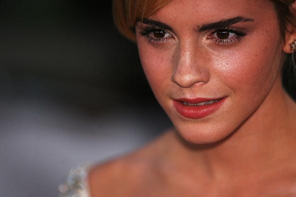 エマ・ワトソン「The National Movie Awards 2008 - Arrivals」:写真・画像(2)[壁紙.com]