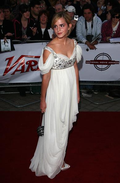 エマ・ワトソン「The National Movie Awards 2008 - Arrivals」:写真・画像(8)[壁紙.com]