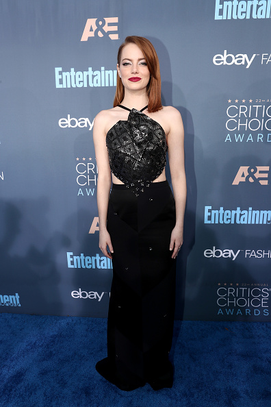 Emma Stone「The 22nd Annual Critics' Choice Awards - Red Carpet」:写真・画像(4)[壁紙.com]