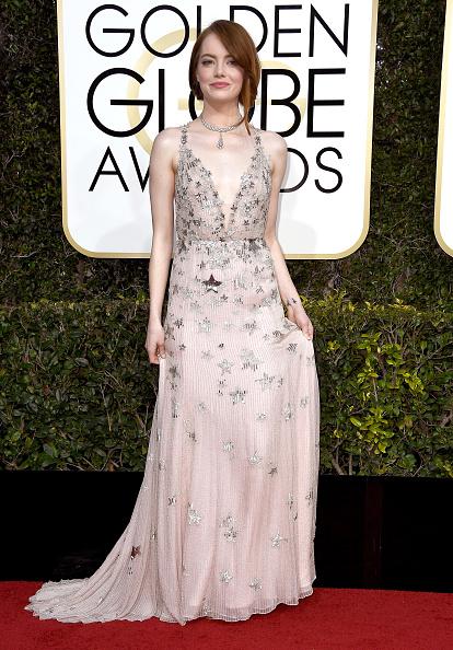 Emma Stone「74th Annual Golden Globe Awards - Arrivals」:写真・画像(0)[壁紙.com]