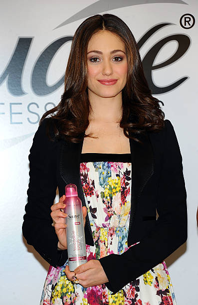 """Actress Emmy Rossum Asks New Yorkers To Take The """"Suave Challenge"""":ニュース(壁紙.com)"""