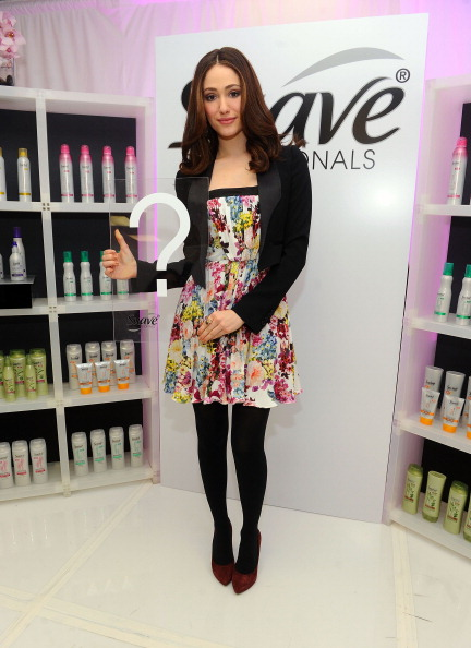 """Suave「Actress Emmy Rossum Asks New Yorkers To Take The """"Suave Challenge""""」:写真・画像(11)[壁紙.com]"""