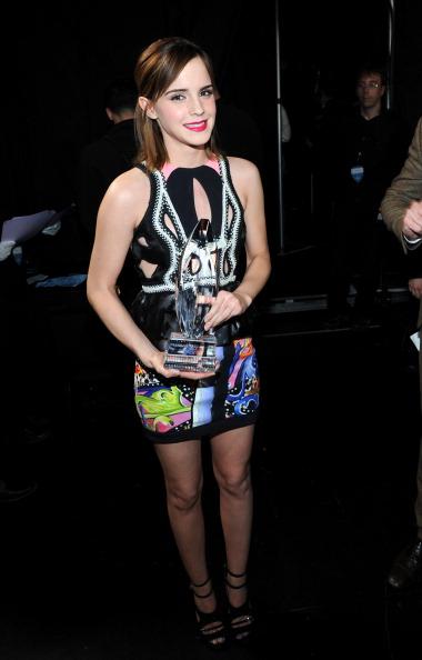 エマ・ワトソン「39th Annual People's Choice Awards - Backstage And Audience」:写真・画像(14)[壁紙.com]