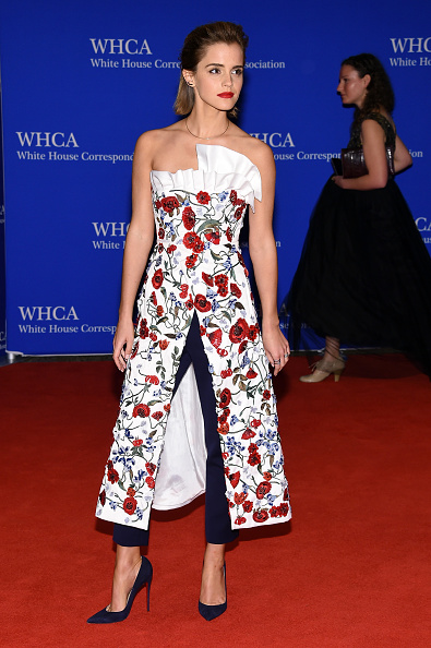 エマ・ワトソン「102nd White House Correspondents' Association Dinner - Arrivals」:写真・画像(7)[壁紙.com]