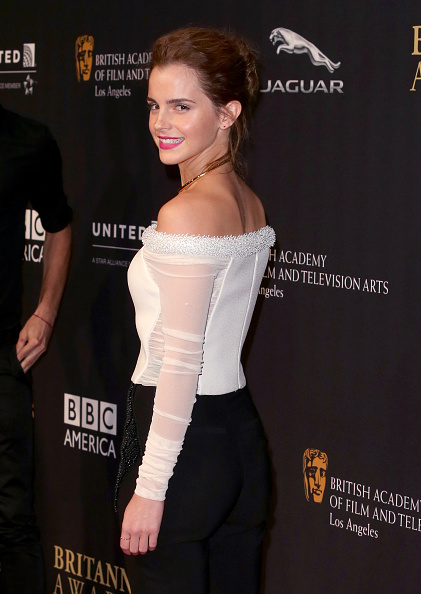 エマ・ワトソン「BAFTA Los Angeles Jaguar Britannia Awards Presented By BBC America And United Airlines - Arrivals」:写真・画像(4)[壁紙.com]