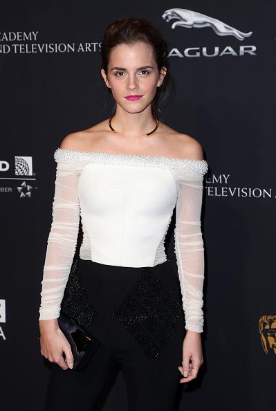 エマ・ワトソン「BAFTA Los Angeles Jaguar Britannia Awards Presented By BBC America And United Airlines - Arrivals」:写真・画像(11)[壁紙.com]