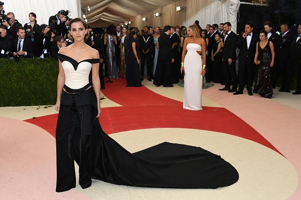 エマ・ワトソン「'Manus x Machina: Fashion In An Age Of Technology' Costume Institute Gala - Arrivals」:写真・画像(0)[壁紙.com]