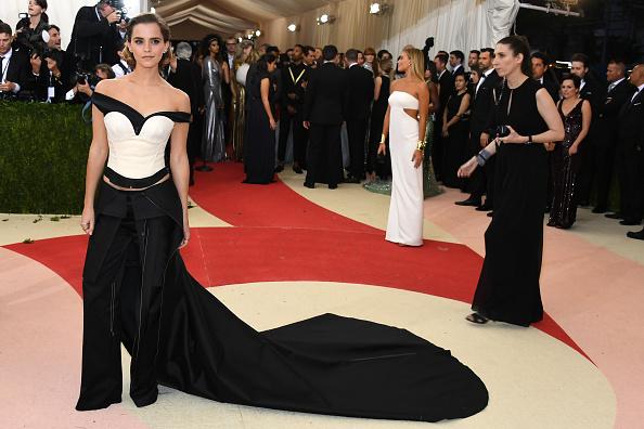 エマ・ワトソン「'Manus x Machina: Fashion In An Age Of Technology' Costume Institute Gala - Arrivals」:写真・画像(14)[壁紙.com]