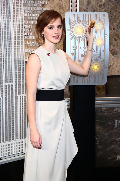 エマ・ワトソン「Emma Watson And Chirlane McCray Light The Empire State Building In HeForShe Magenta For International Women's Day」:写真・画像(0)[壁紙.com]