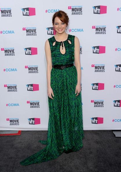 Emma Stone「17th Annual Critics' Choice Movie Awards - Arrivals」:写真・画像(13)[壁紙.com]