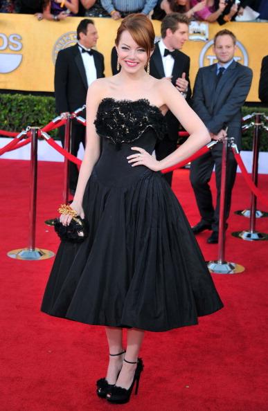 Emma Stone「18th Annual Screen Actors Guild Awards - Arrivals」:写真・画像(16)[壁紙.com]