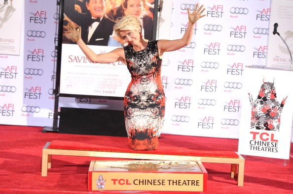 Mann Theaters「Emma Thompson Immortalized With Hand And Footprint Ceremony」:写真・画像(10)[壁紙.com]