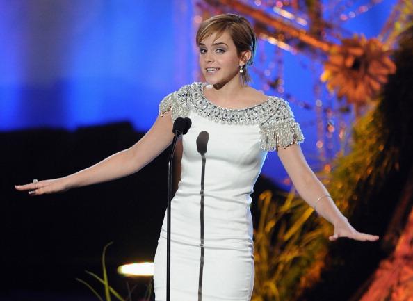 エマ・ワトソン「2011 MTV Movie Awards - Show」:写真・画像(2)[壁紙.com]