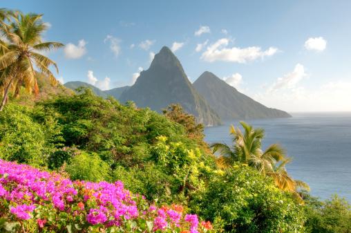 Volcano「St. Lucia's Twin Pitons at Sunrise」:スマホ壁紙(2)