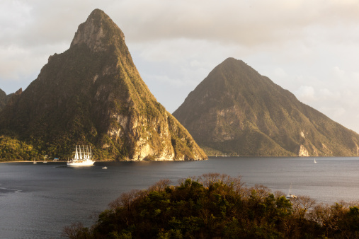 Soufriere「St. Lucia's Twin Pitons」:スマホ壁紙(13)