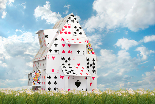 Windbreak「Card House Against Blue Skies」:スマホ壁紙(18)