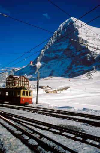 Ski Resort「Railroad tracks by mountain」:スマホ壁紙(2)