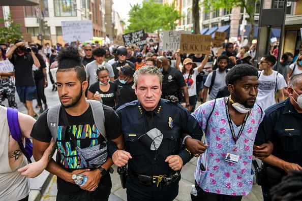 Denver「Protests Continue At Capitol In Denver In Aftermath To Death Of George Floyd」:写真・画像(3)[壁紙.com]