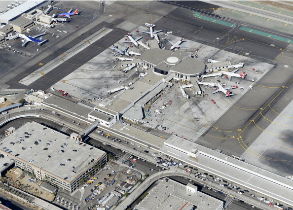 LAX Airport「One Killed In Shooting At Los Angeles International Airport」:写真・画像(17)[壁紙.com]