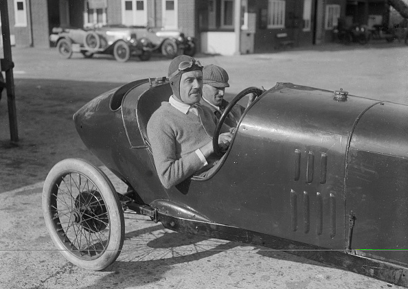 Wheel「Andre Lombard in his Salmson at the JCC 200 Mile Race, Brooklands, Surrey, 1921」:写真・画像(1)[壁紙.com]
