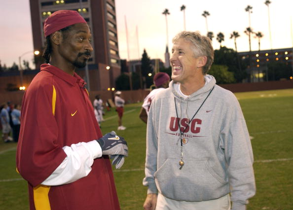 University of Southern California「Snoop Dogg Visits USC Football Team During Taping of MTV Show」:写真・画像(16)[壁紙.com]