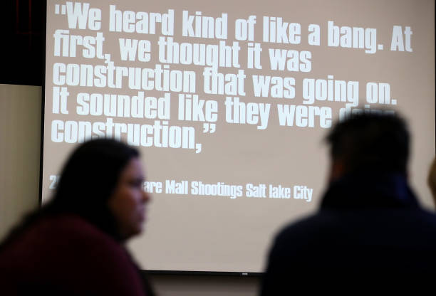 Administrator「Oakland, CA School District Holds Active Shooter Training For Its Staff」:写真・画像(11)[壁紙.com]