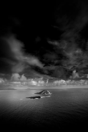オアフ島「Islands dot the east side of Oahu, Hawaii.」:スマホ壁紙(12)