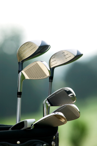 Weekend Activities「Golf clubs in bag at golf course, close-up」:スマホ壁紙(4)