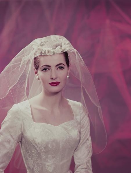 Bride「Wedding Outfit」:写真・画像(13)[壁紙.com]
