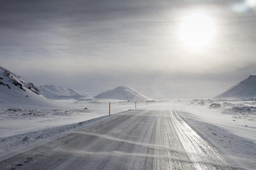 雪「Winter driving, Iceland」:スマホ壁紙(6)