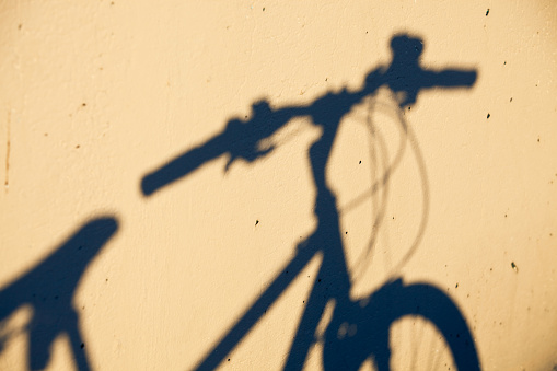 Focus on Shadow「Bicycle Shadow」:スマホ壁紙(4)