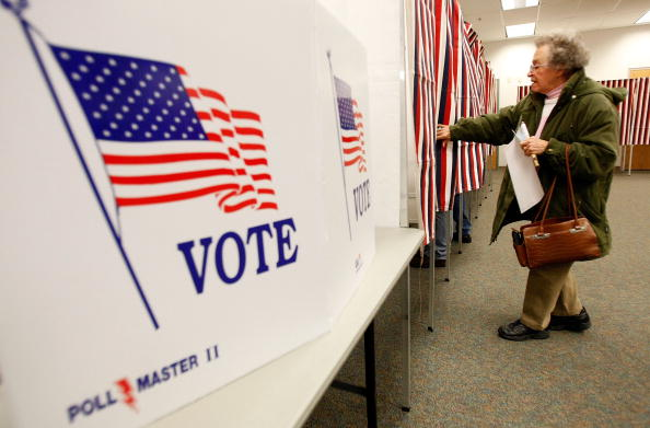 Presidential Election「New Hampshire Voters Go To Polls In Nation's First Primary」:写真・画像(15)[壁紙.com]