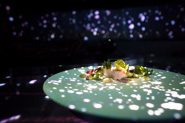 Japan「Dining Inside Tokyo's Virtual Reality Restaurant」:写真・画像(2)[壁紙.com]
