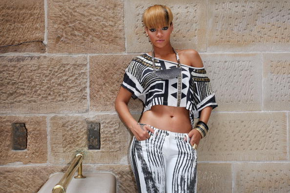 "InterContinental Hotels Group「Rihanna Promotes ""Rated R"" In Sydney - Photo Call」:写真・画像(11)[壁紙.com]"