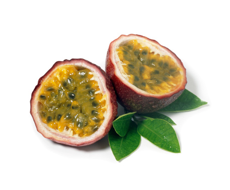 Passion Fruit「Passion Fruits with Leafs」:スマホ壁紙(4)