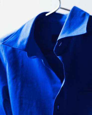 Fully Unbuttoned「Blue shirt on hanger, close-up」:スマホ壁紙(13)