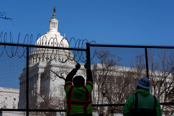 Capitol Hill「Washington, DC Prepares For Potential Unrest Ahead Of Presidential Inauguration」:写真・画像(2)[壁紙.com]