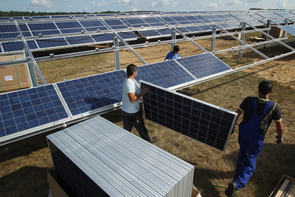 Solar Panel「Germany Invests Heavily In Solar Energy」:写真・画像(9)[壁紙.com]