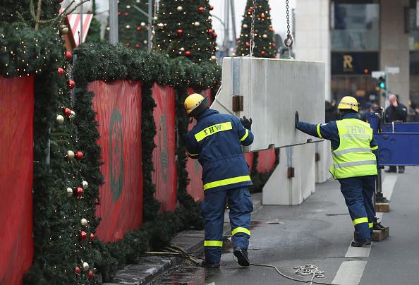 2016 Berlin Christmas Market Attack「Christmas Market Targeted In Terror Attack Reopens」:写真・画像(19)[壁紙.com]