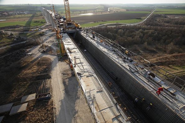 Installing「Deutsche Bahn Expands High-Speed Rail Network」:写真・画像(19)[壁紙.com]