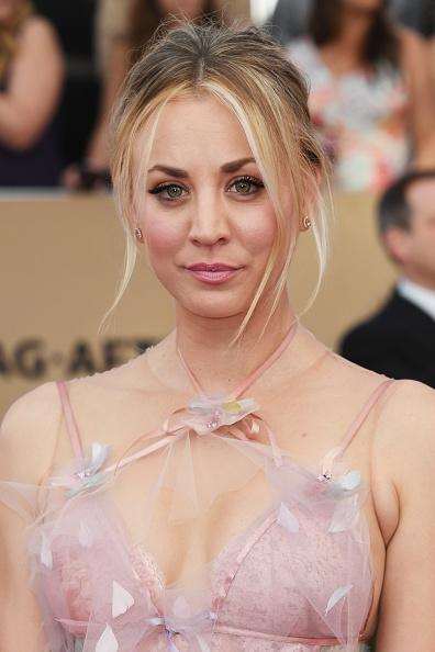 Kaley Cuoco「23rd Annual Screen Actors Guild Awards - Arrivals」:写真・画像(2)[壁紙.com]